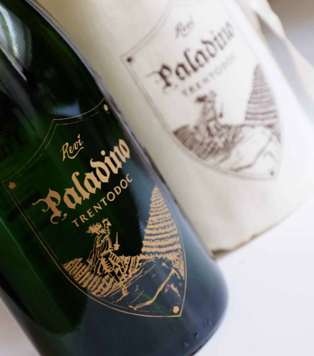 paladino spumante revì con serigrafia diretta su bottiglia
